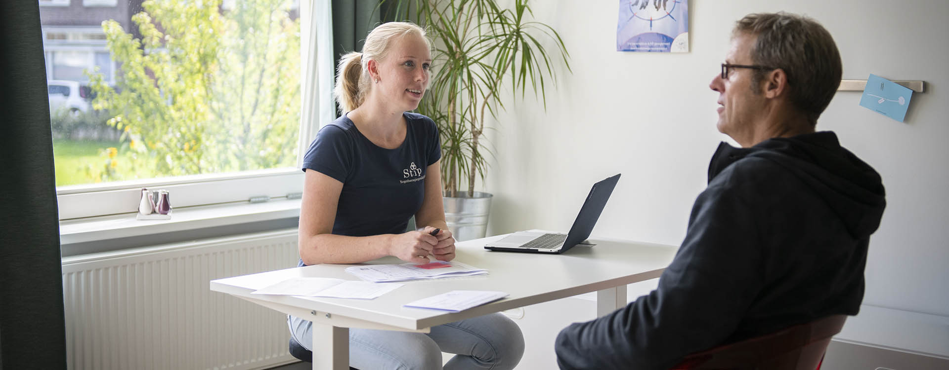 Ergotherapiepraktijk Stip aan tafel met Cliënt